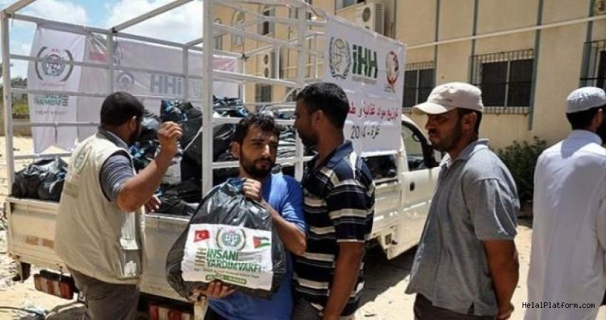 İsrail Gazze'ye Tüm Yardımları Kesmeye Çalışıyor