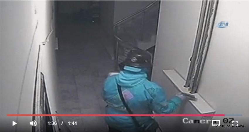 Pizza kuryesi pizzaya tükürürken kameraya yakalandı